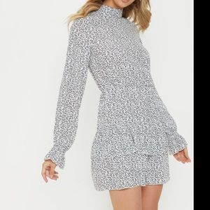 Dresses & Skirts - White& navy floral print, long sleeve mini dress